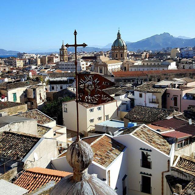 ab8b81fa8495 Ebbi l impressione di una città molto diversa dalle altre città italiane